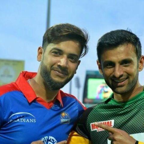 Imad Wasim with Shoaib Malik